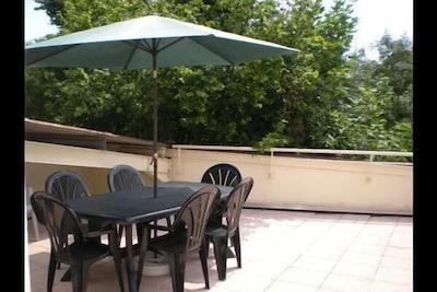 Terrasse 35m² avec vue sur piste cyclable