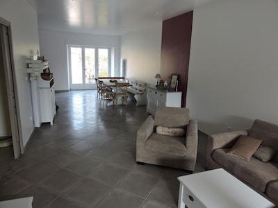 Nos clients apprécient l'espace de notre gîte 120 m² et le calme.