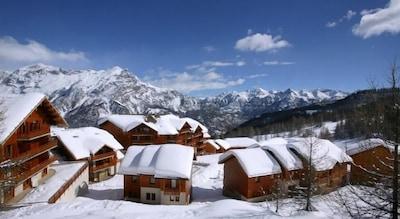 l'Escapade Ski Lift, Puy-Saint-Vincent, Hautes-Alpes, France