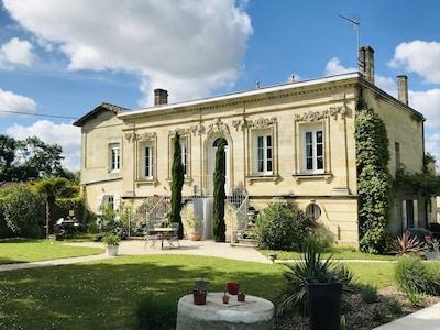 Exploitation viticole Château Reignac, Saint-Loubès, Gironde (département), France