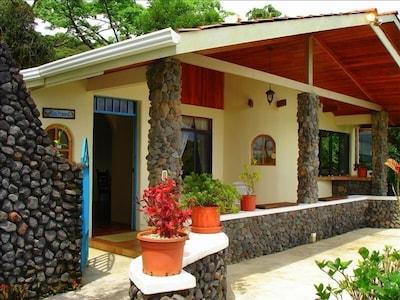 'Casa Primera' Beautiful Rustic Villa. Lava Rock Walls..Steps to the Pool