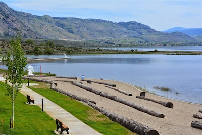 The Cottages on Osoyoos Lake, Osoyoos, British Columbia, Canada