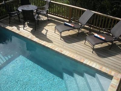 20 foot tiled pool