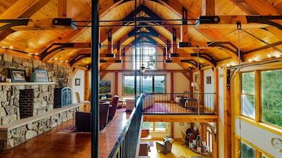 Brush Mountain Lodge - 2nd Floor