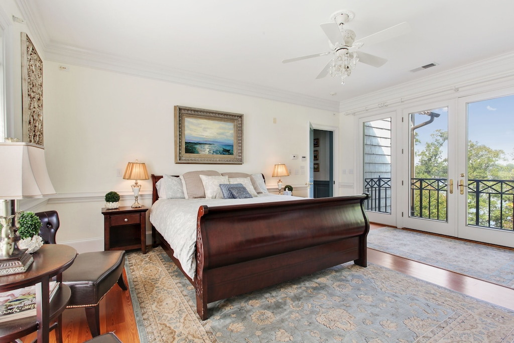 Large Master Bedroom - Main House