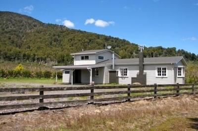 Mountain Max's Lodge