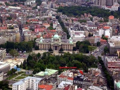 Local area: Parliament & Pionirski Park