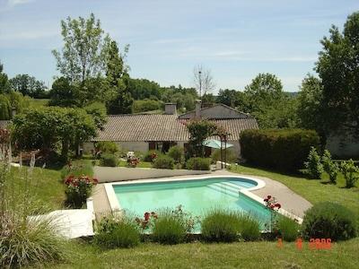 Les Noisettes, entrance and pool