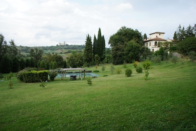 Ciliegi, Reggello, Toscane, Italië