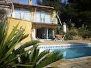 Vue terrasse et piscine