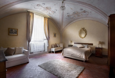 Lussuoso appartamento con 2 camere da letto con ingresso indipendente a 8 km da FIRENZE