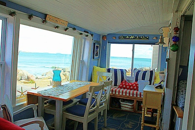 Awesome Ocean Views from Window seat, Livingroom, Dining room , kitchen , bedrom