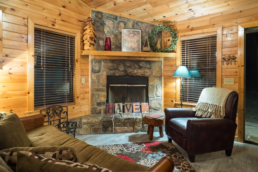 The Haven Sleeps 4 Indoor Hot Tub Pet Friendly Close To Park And Lake Broken Bow