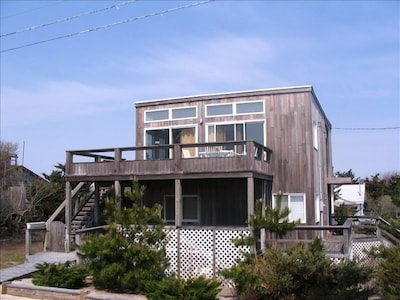 Magnificent views from top deck. Front of House Facing South Walk & Ocean