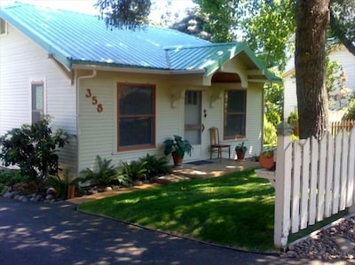 1931 Cottage in great location on a quiet street, a short walk to everything.
