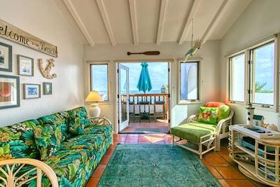 H962 - Living Room to Balcony