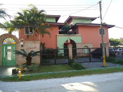 Balneario Mogiano, Bertioga, São Paulo (État), Brésil