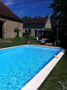 piscine de plein air dédiée au locataire