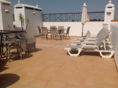 Roof terrace with lights and power sockets