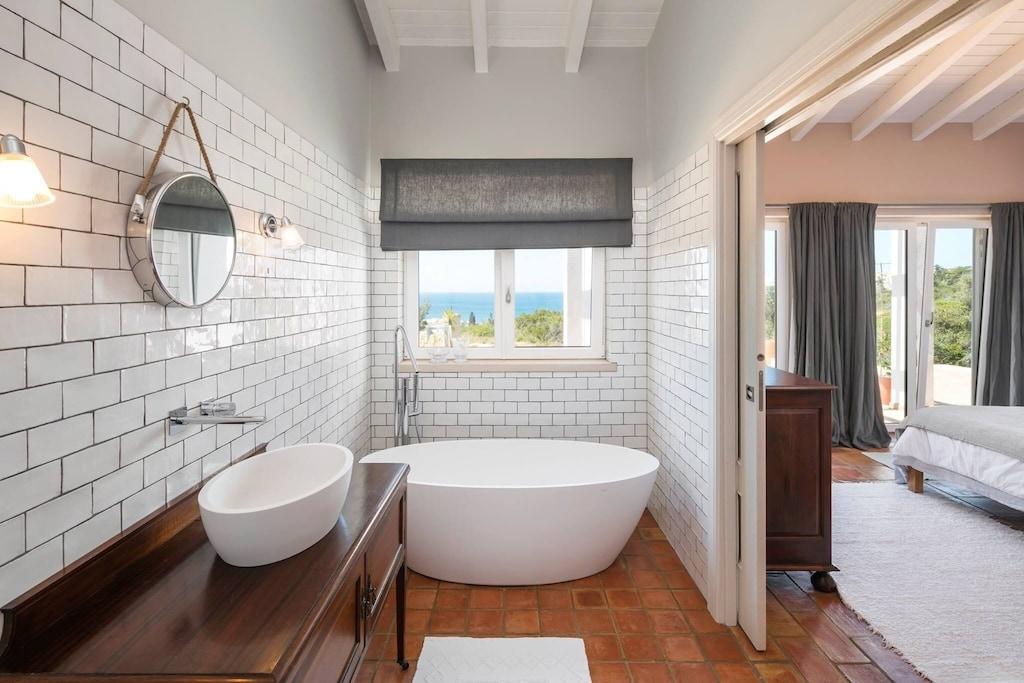 Freestanding bathtub in the room of a holiday villa in Algarve