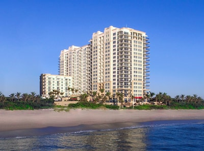 Palm Beach Singer Island Resort & Spa - Eminent Suite 1/1 - Daily Housekeeping