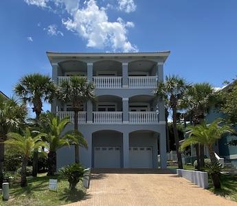 Aqua Vista House