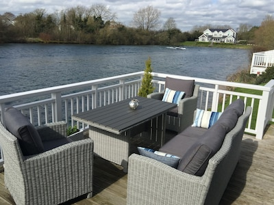 Lodge 66 Spring Lake Perfect Family Holiday Retreat in the Cotswold Water Park