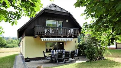 Helles Ferienhaus im Landhausstil für bis zu 10 Personen inkl. WLAN