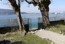 portail avec accès direct au lac