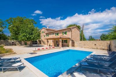 Villa Anton -   komplett eingezäunt, ruhig und privat