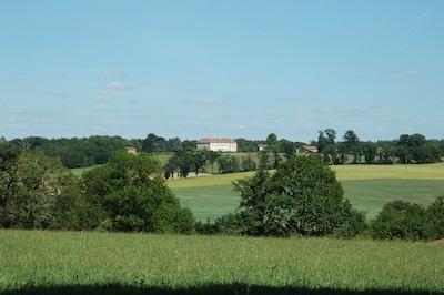 Château de Sannat  vue de la campagne  Limousine…