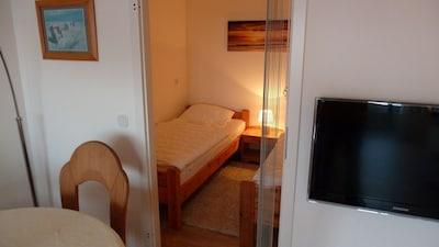 Schlafzimmer und Essecke
