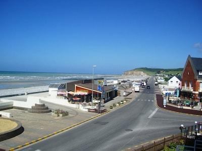 La location se trouve à 100 m de cette plage
