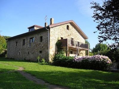 Casa de campo (Ampuero), capacidad 19 personas