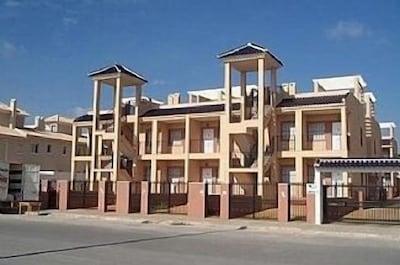 Dach-Wohnung in einem sicheren Familien-Komplex