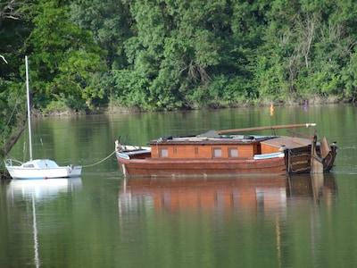 Gabare sur la Loire à St Clément-des-Levées