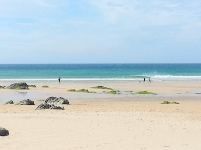Right by the beach! Pet friendly, close to town, with free parking, and a garden