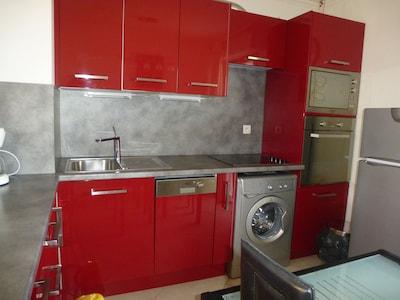 L'appartement 2 pièces, climatisé, garage, WIF,  à 50 m de la plage