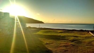 Linda Cobertura em frente a Praia dos Açores