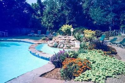 Cedar Glen Estates Pool.