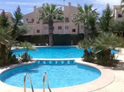 2 private pools together (children and adults) / 2 piscines privées ensemble (en