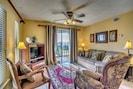 Luxurious Living Room/Blackout drapes/Queen Sleeper sofa/flat-screen tv