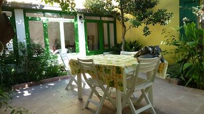 Sardegna, Putzu Idu,casa indipendente con 2 giardini, a 50 m dalle spiagge