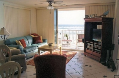 View from Kitchen to Balcony to the Ocean.