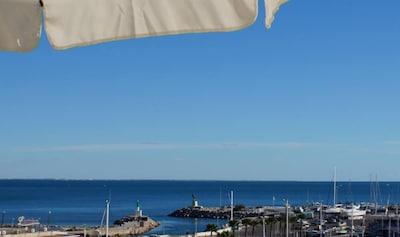 vue de la terrasse coté port