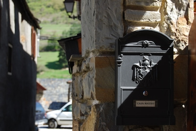 Casa Mateo, confort de casa Aranesa en el Pirineo de Lleida y pueblo pintoresco.