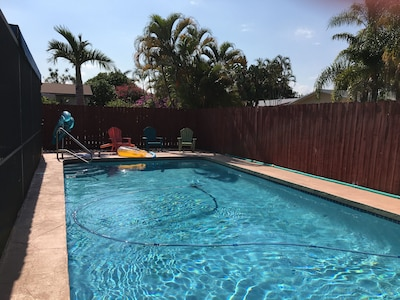 🐬🤗🏝HEATED POOL!   PRIVATE HOME, SCREENED LANAI, COOK OUT GRILL/PICNIC TABLE 6