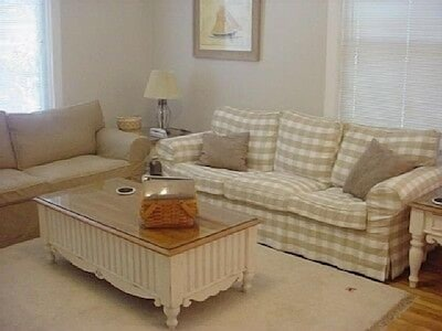 Welcoming, Bright Living Room with DVD/Video/Cable