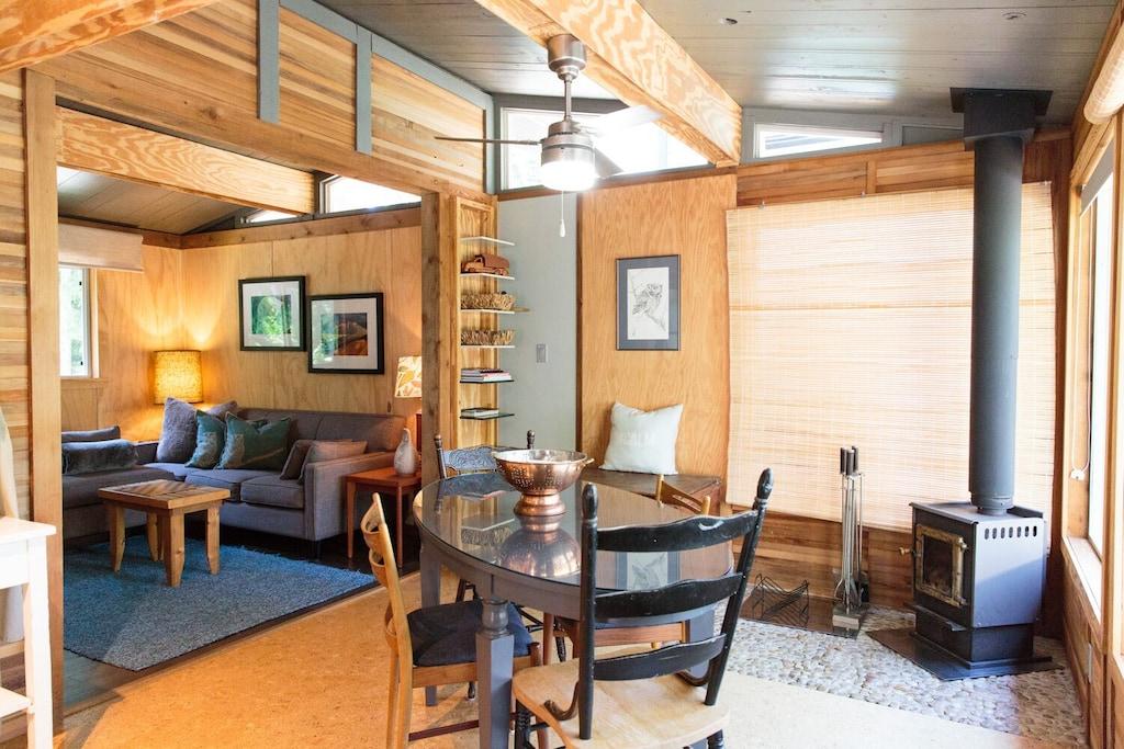 vrbo treehouse cabin bc