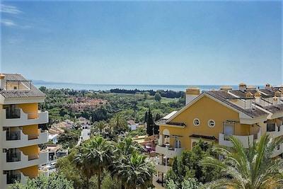 Apartamento con vista al mar cerca de Puerto Banus
